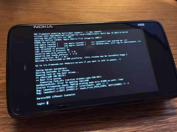 Nokia-N900-running-iOS-kernel-2